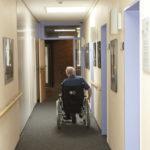 Der Eigenteil von Pflegeheimbewohnern soll sinken.